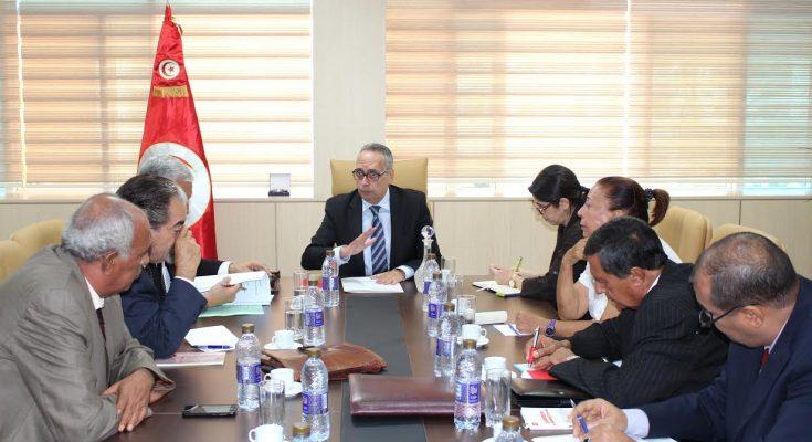 وزير العدل يجتمع بلجنة مراجعة المجلة الجزائية ويتابع تقدم أشغالها-التيماء