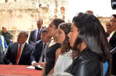 إعطاء إشارة انطلاق ترميم قصر الجم الأثري وتهذيبه بدعم من صندوق سفراء الولايات المتحدة الأمريكية-التيماء