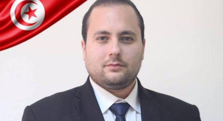 اختيار رئيس تحرير الراديو الجمعياتي المهدية1 الشاب عبد المالك بن عبد الله يحمل علم تونس في المؤتمر العالمي السنوي للشباب-التيماء
